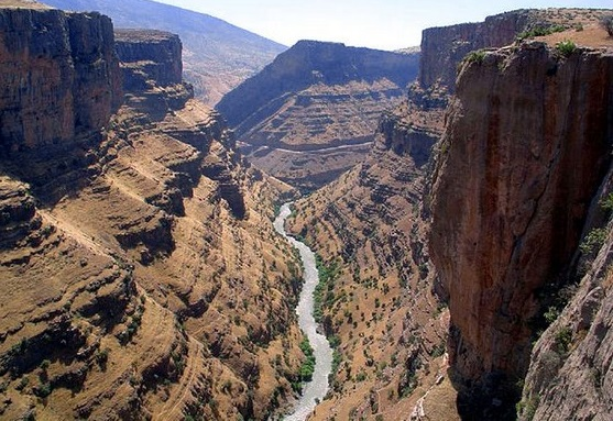 Canyon north eastern Kurdistan  2v